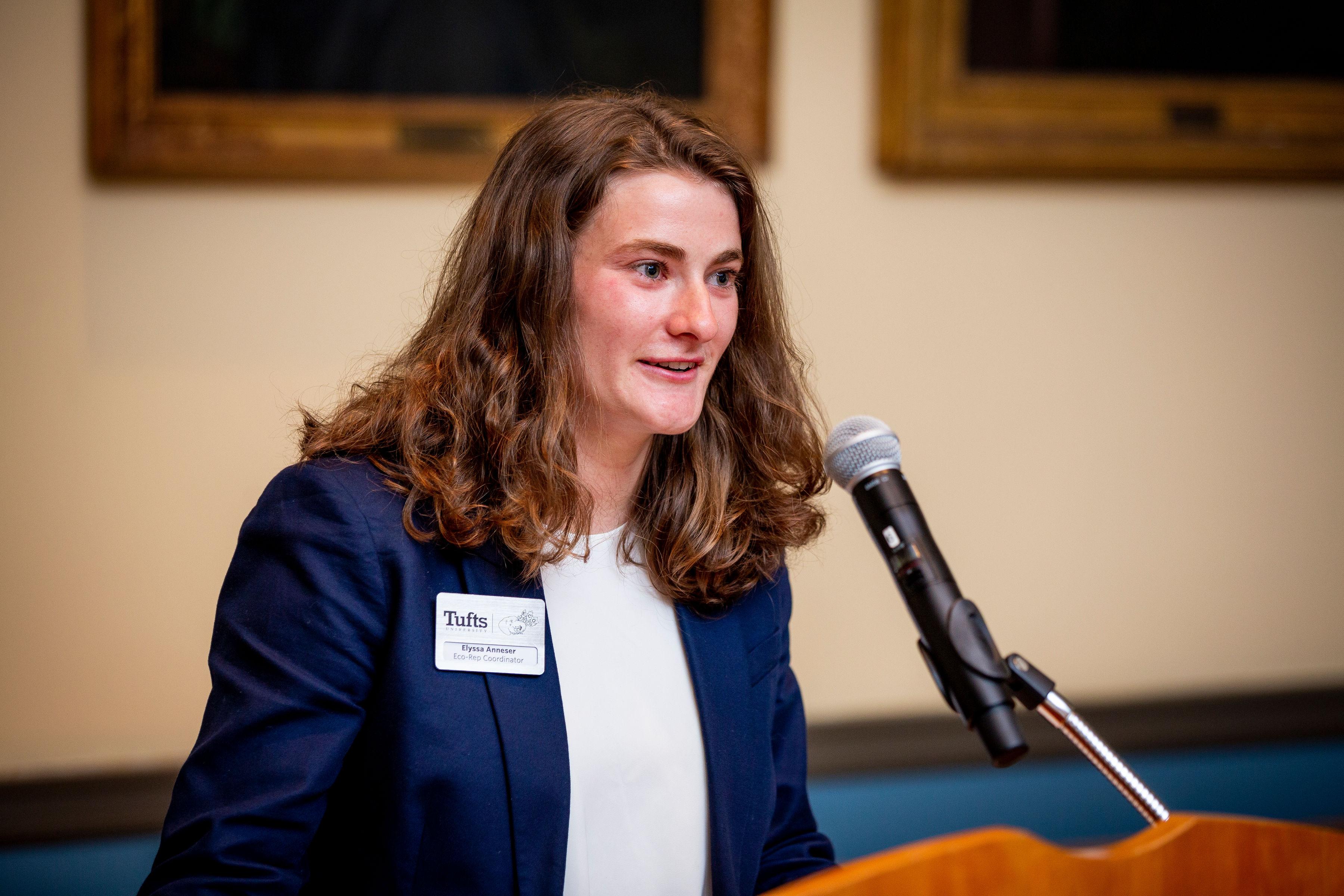 Elisa speaking at Sustainability Champions Ceremony